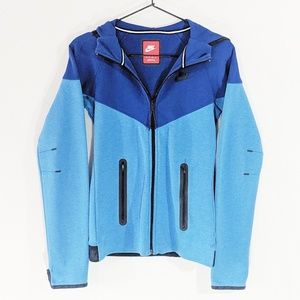 NWOT Nike Zip-Up Hooded Sweatshirt